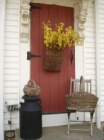 25+ Awesome Farmhouse Exterior Front Door Ideas (22)