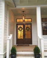 25+ Awesome Farmhouse Exterior Front Door Ideas (9)