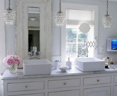 25+ Beautiful Shabby Chic Romantic Bathroom Ideas (14)
