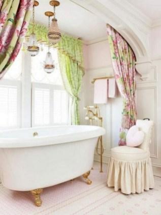 25+ Beautiful Shabby Chic Romantic Bathroom Ideas (21)