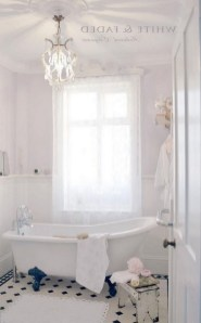 25+ Beautiful Shabby Chic Romantic Bathroom Ideas (26)