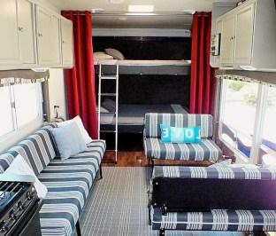 45+ Marvelous Rural Modern RV Tour Remodel Ideas (13)