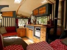 45+ Marvelous Rural Modern RV Tour Remodel Ideas (7)