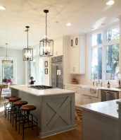 50+ Amazing Modern Farmhouse Kitchen Cabinets Decor Ideas 23