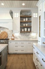 50+ Amazing Modern Farmhouse Kitchen Cabinets Decor Ideas 29