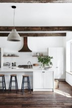 50+ Amazing Modern Farmhouse Kitchen Cabinets Decor Ideas 34