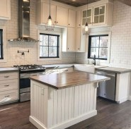 50+ Amazing Modern Farmhouse Kitchen Cabinets Decor Ideas 49