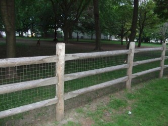 63+ Inspiring DIY Front Yard Privacy Fence Remodel Ideas (10)