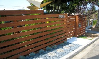 63+ Inspiring DIY Front Yard Privacy Fence Remodel Ideas (54)