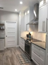 70+ Amazing Farmhouse Gray Kitchen Cabinet Design Ideas 11