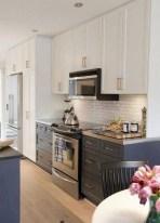 70+ Amazing Farmhouse Gray Kitchen Cabinet Design Ideas 35