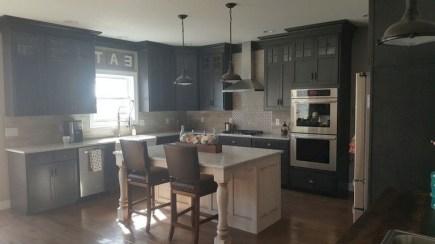 70+ Amazing Farmhouse Gray Kitchen Cabinet Design Ideas 55
