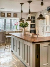 75+ Rustic Farmhouse Style Kitchen Makeover Ideas 39