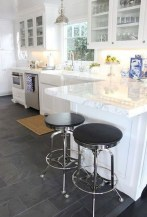 75+ Rustic Farmhouse Style Kitchen Makeover Ideas 54