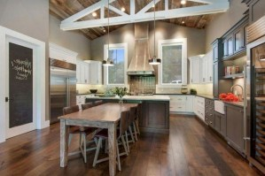 75+ Rustic Farmhouse Style Kitchen Makeover Ideas 63
