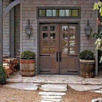 Astonishinh Farmhouse Front Porch Design Ideas 13