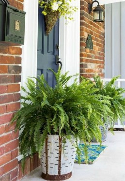 Astonishinh Farmhouse Front Porch Design Ideas 58