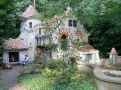 Unique And Best 10+ Real Fairytale Cottage Design Ideas 07