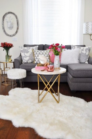 28+ Comfy Neutral Winter Ideas for Your Home Decor (6)
