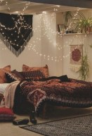30+ Stunning Bohemian Bedroom Decor For Small Space (24)