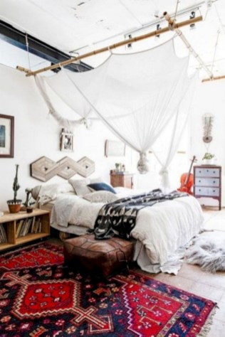30+ Stunning Bohemian Bedroom Decor For Small Space (8)