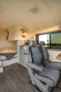 82+ Inspiring RV Camper Van Interior Design and Organization Ideas (41)