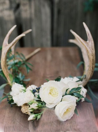 30+ Awesome Party Table Decorations Ideas For Your Special Moment (31)