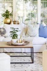 30+ Creative Tips For A Perfect Coffee Table Styling To Living Room (16)