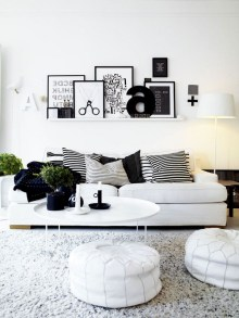93+ Comfy Apartment Living Room in Black and White Style Ideas (40)