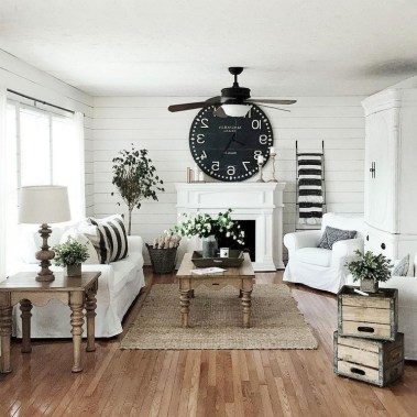 93+ Comfy Apartment Living Room in Black and White Style Ideas (73)