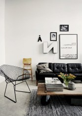 93+ Comfy Apartment Living Room in Black and White Style Ideas (78)