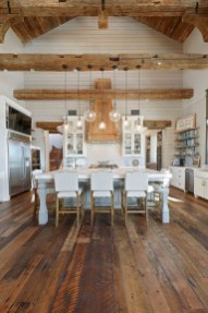 45+ Amazing Interior Design Ideas With Farmhouse Style (11)