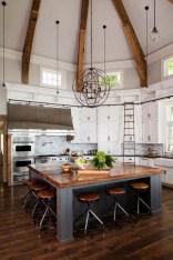 45+ Amazing Interior Design Ideas With Farmhouse Style (7)