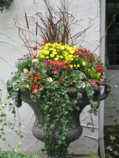 88+ Amazing Fall Container Gardening Ideas (31)