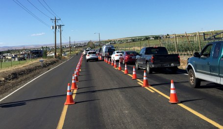 Traffic and line to enter the parking lots and campgrounds at The Gorge