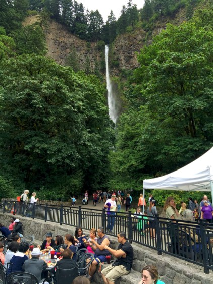 Multnomah Falls Crowds