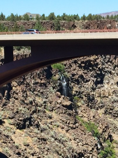 Waterfall n Crooked River Canyon