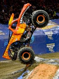 El Torro Loco Monster Truck Tricks