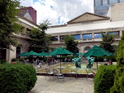 The Art Institute of Chicago Cafe and Dining
