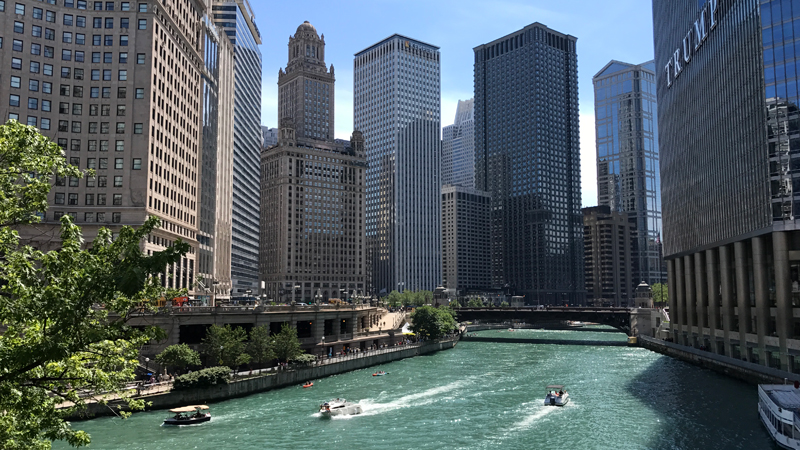 Chicago River Architecture and Famous Buildings