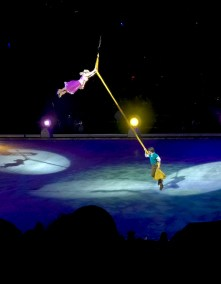 Rapunzel and Flynn Rider in Disney On Ice Follow Your Heart
