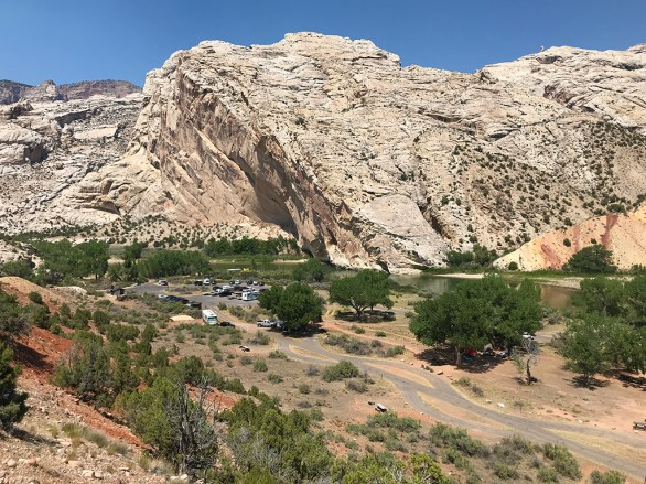 View of the Split Mountain Campground and Day Uue Area