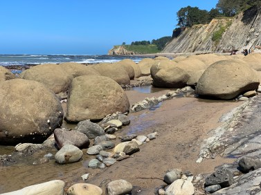 Bowling Ball Rock Formations