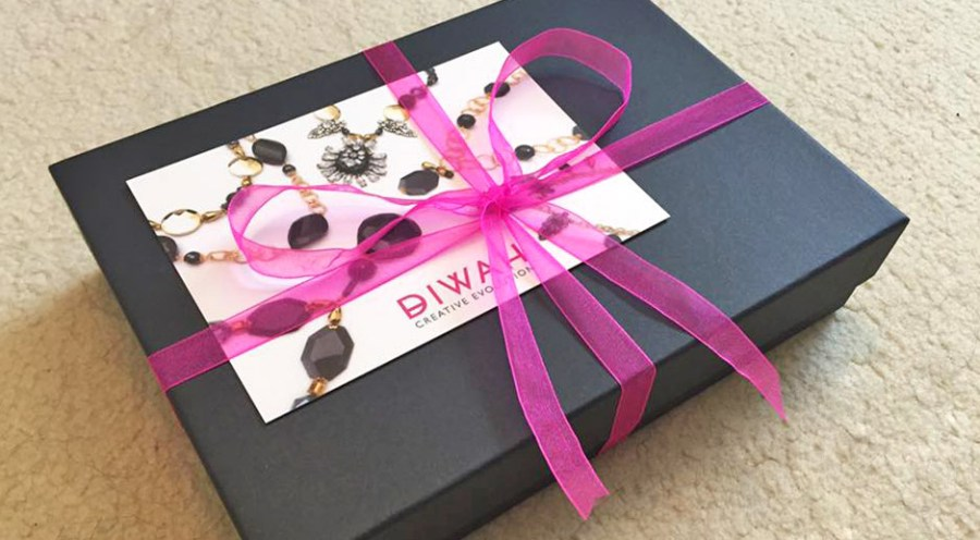 DIWAH Jewellery Box Necklace Design Wrapped Up Bow Ribbon