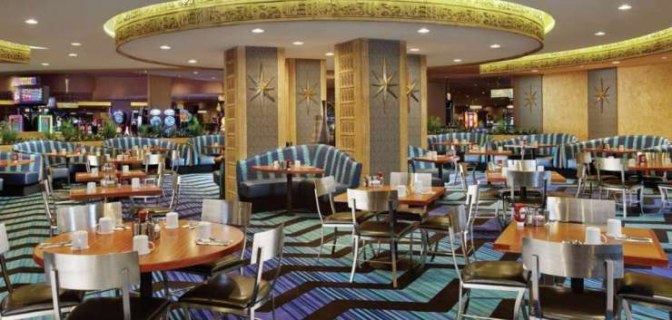 Las Vegas Luxor Pyramid Cafe Restaurant Food Travel America City Guide