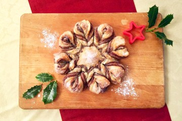 christmas-snowflake-chocolate-pastry-dessert-recipe-holly-leaves