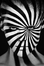Make-Up Optical Illusions_8