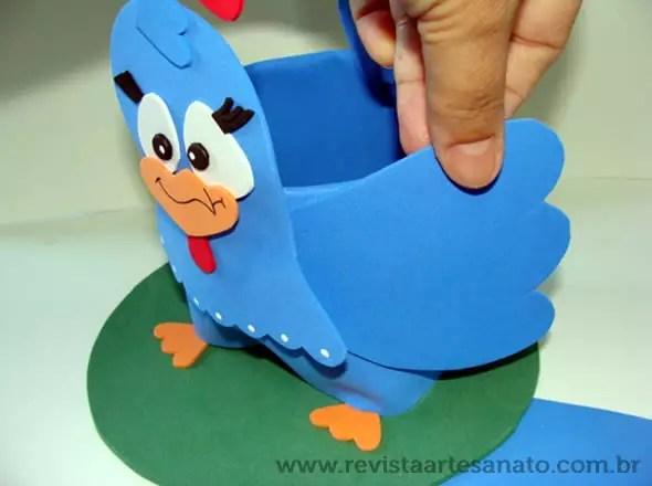 centro de mesa lembrancinha galinha pintadinha eva 8