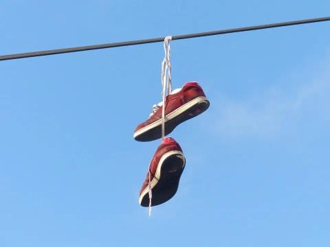 gantung sepatu, sepak bola