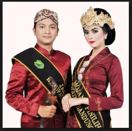 Pakaian Adat Sunda Jawa Barat Gambar Dan Penjelasannya Lengkap